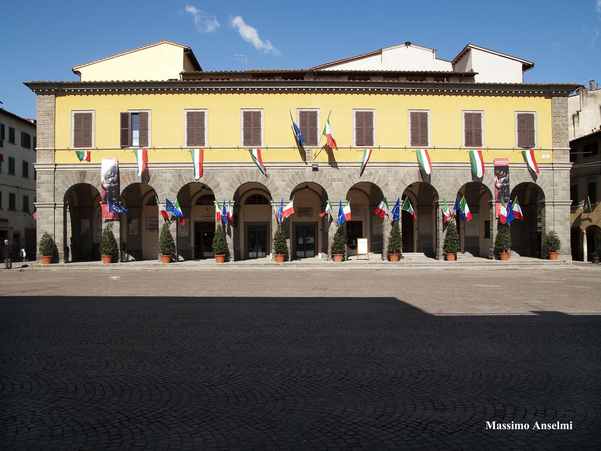 019-P1130003-Piazza-Varchi-LS-cn